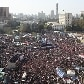 Na Praa Tahrir, egpcios protestam contra governo militar e comemoram um ano sem Hosni Mubarak