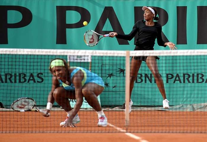As irms Williams fazem jogo de duplas no torneio de Roland Garros, pelas quartas-de-final em Paris