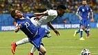 Com um ataque veloz, a Inglaterra partiu para o ataque e pressionou com Sterling e Rooney