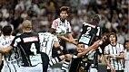 Time alvinegro utilizou a bola aérea para garantir a vitória na Arena Corinthians. Os três gols saíram após cruzamentos