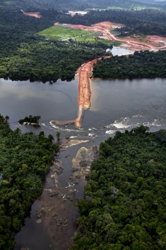 Greenpeace divulga fotos aéreas da construção da usina de Belo Monte