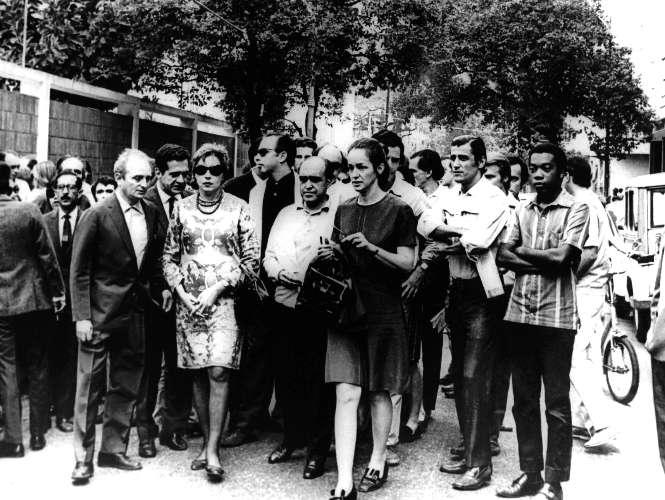 Clarice na passeata contra a ditadura militar, no Rio de Janeiro, em 22 de junho de 1968