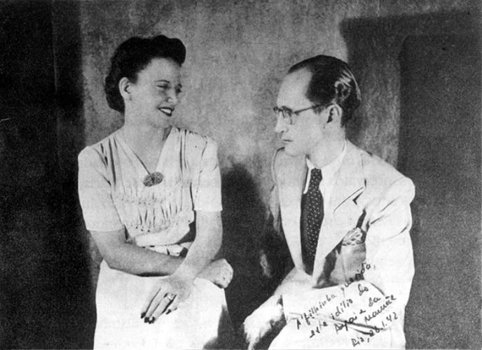 Drummond e a esposa Dolores Dutra de Morais em foto de 1942