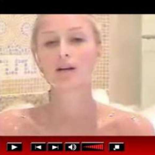 Paris Hilton nua em banheira de espuma  o novo hit da web.19/11/2007