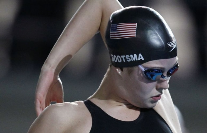 Rachel Bootsma, dos Estados Unidos, ficou com a medalha de ouro nos 100 m costas
