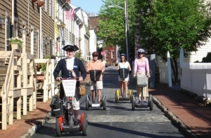 Annapolis, a capital da vela, recebe turistas com guias vestidos com trajes de época