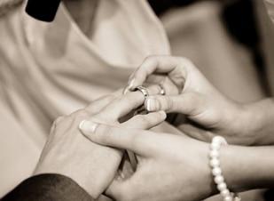 Crianças se tornam amigas e se casam 14 anos depois