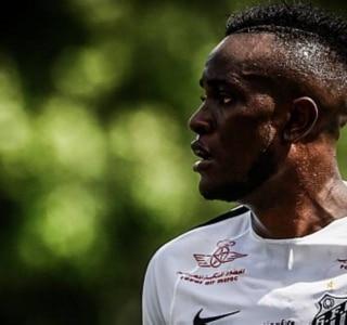 Com gol do camaronês Joel, Santos vence jogo-treino contra o Red Bull