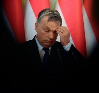 Szilard Koszticsak/AP