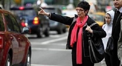 Aplicativo oferece táxis conduzidos por mulheres apenas para clientes mulheres