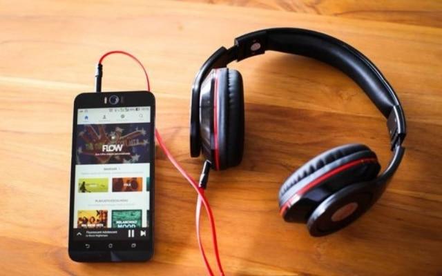 Playlists feitas por algoritmos e por curadores humanos convivem lado a lado nos serviços de streaming de música