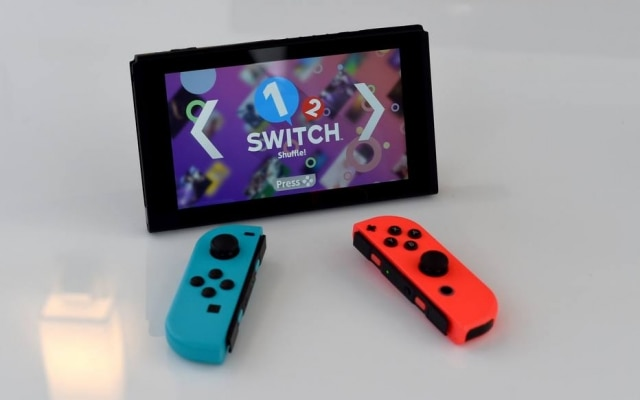 O Nintendo Switch, em exposição em Nova York: tela pode ser separada dos controles e servir como TV para festas ao ar livre, por exemplo