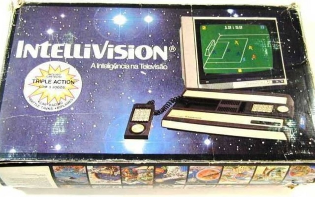 A caixa original do Intellivision, um dos muitos videogames que fizeram parte daquela era