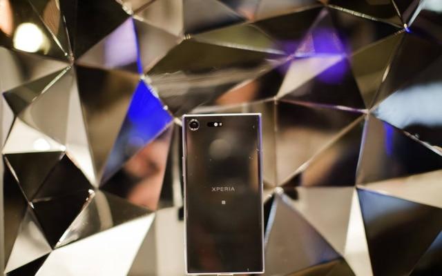 Resultado de imagem para Sony anuncia celular com supercâmera lenta e tela 4K HDR