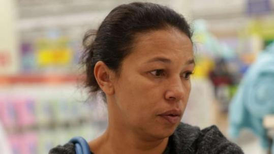 Rita de Cássia Vieira, de 44 anos, que não tem carteira assinada há seis anos