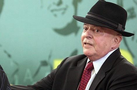 Médicos proíbem visitas a Lula