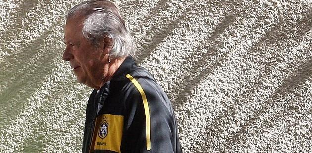 Juiz suspende pedido de trabalho de José Dirceu
