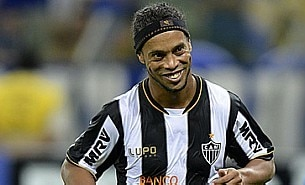 Ronaldinho celebra campeonato
