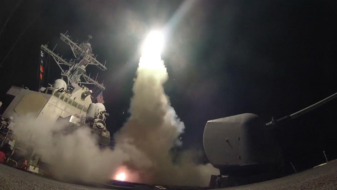 Marinha americana distribuiu fotos do lançamento dos mísseis - AFP