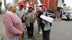 Militantes em campanha - Estadão