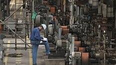 Produção da indústria tem nova queda  - Estadão