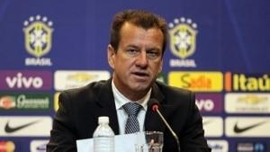 Dunga anuncia cortes na seleção - Estadão