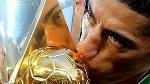 Campeão. Ralf beija o troféu do Campeonato Brasileiro - Paulo Whitaker/Reuters