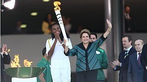 Presidente acendeu a primeira tocha olímpica no País - Wilton Junior/ Estadão
