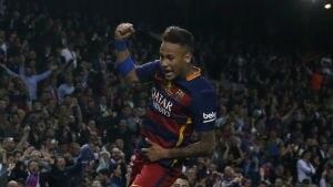 Neymar comemora gol pelo Barcelona - Juan Medina/Reuters
