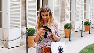 Adolescente com seu smartphone - Pixabay