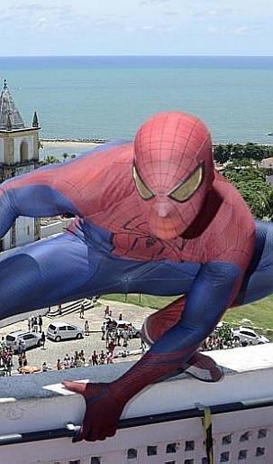 Prefeitura de Olinda - Super-heróis também sambam