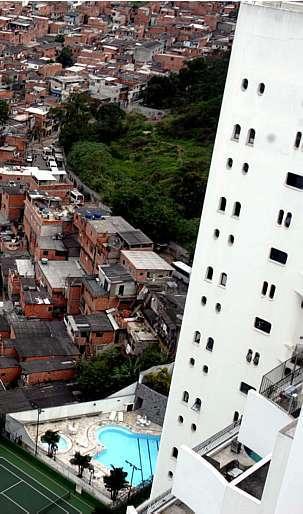 Nilton Fukuda/Estadão - Alta de preços de itens básicos compromete, principalmente, o orçamento das famílias mais pobres