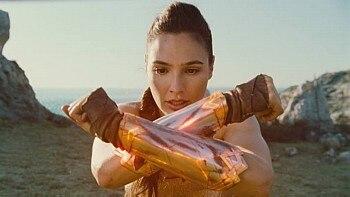 Gal Gadot como Diana Prince em cena de 'Mulher Maravilha' - Warner Bros