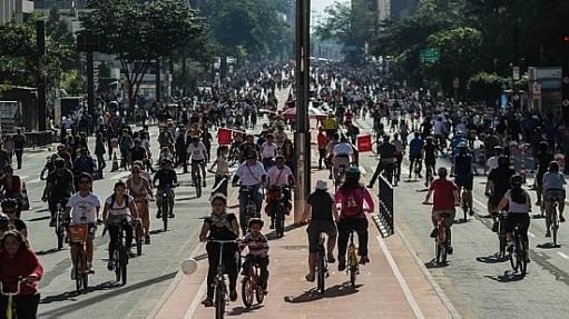 Inauguração da ciclovia na Paulista atraiu milhares no último domingo, 28 - Rafael Arbex/Estadão
