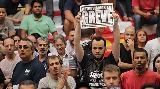 Alckmin diz que vai recorrer para não readmitir funcionários do Metrô - Rafael Arbex/Estadão