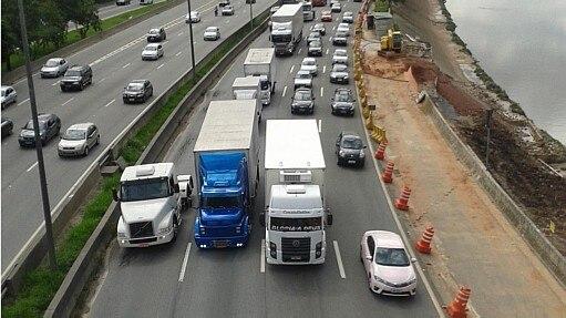 Manifestações de caminhoneiros ocupam ao menos sete Estados - Rafael Arbex/Estadão
