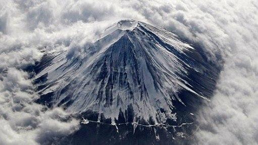 Monte Fuji coberto de gelo - Toru Hanai/Reuters