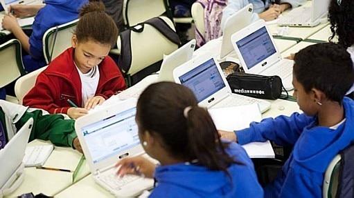 MEC 'revê' Base Nacional e flexibiliza currículo do ensino médio - ESTADÃO