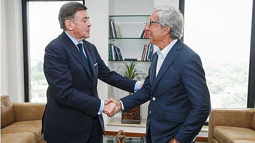 Abilio, com Plassat: fatia no Carrefour Brasil e também na operação global - Leonard Rodrigues/Estadão