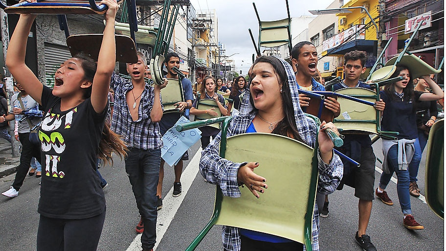 Werther Santana / Estadão   - Estudantes protestam contra a reforma na rede de ensino estadual em  São Paulo. Foto: Werther Santana / Estadão
