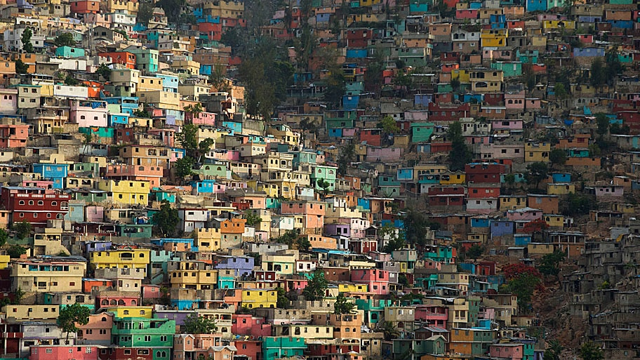 - Vista do bairro Jalousie em Port-au-Prince, no Haiti. Foto: Rebecca Blackwell / AP