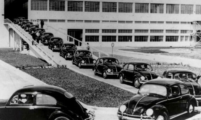 Produção nacional, em 1959, marcou a estreia da primeira fábrica da Volks fora da Alemanha, - Volkswagen/Divulgação
