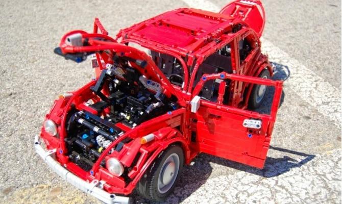 Réplica do Volkswagen Fusca feita de Lego tem até motor boxer que funciona - Sheepo's Garage/Divulgação