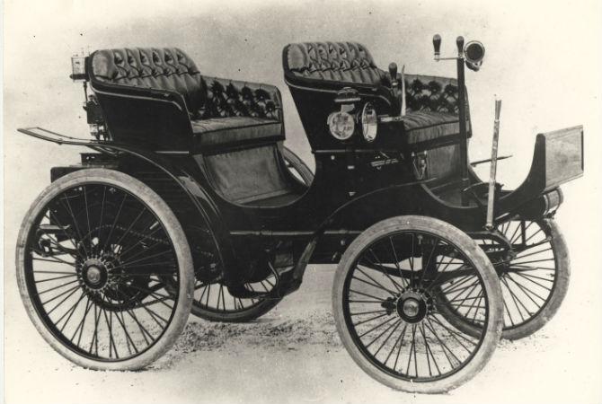 Peugeot Type 15, primeiro carro a rodar no Brasil - Reprodução