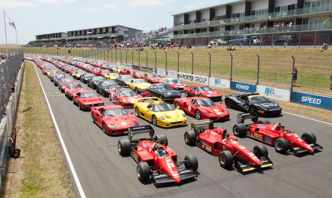 Destaque para os modelos F40, F50 e Enzo, além de vários carros de F1