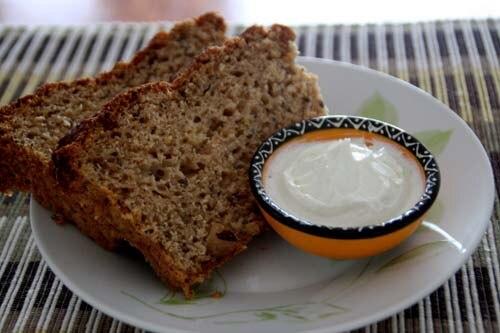 Pão de grãos com coalhada