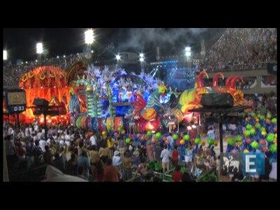 Acompanhe o desfile da Vila Isabel