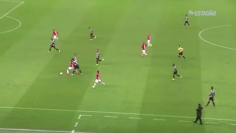 Atlético-MG derrota o Inter por 3 a 1; veja os gols