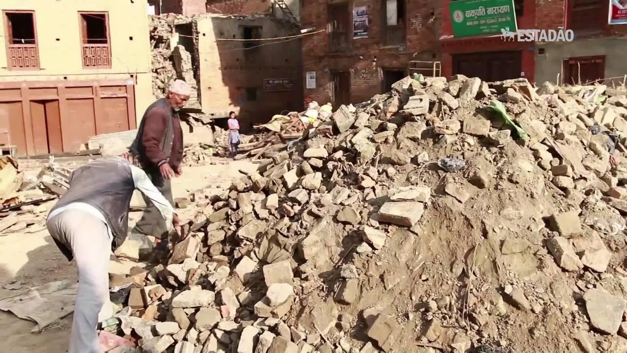 Exército do Nepal encontra destroços de helicóptero dos EUA