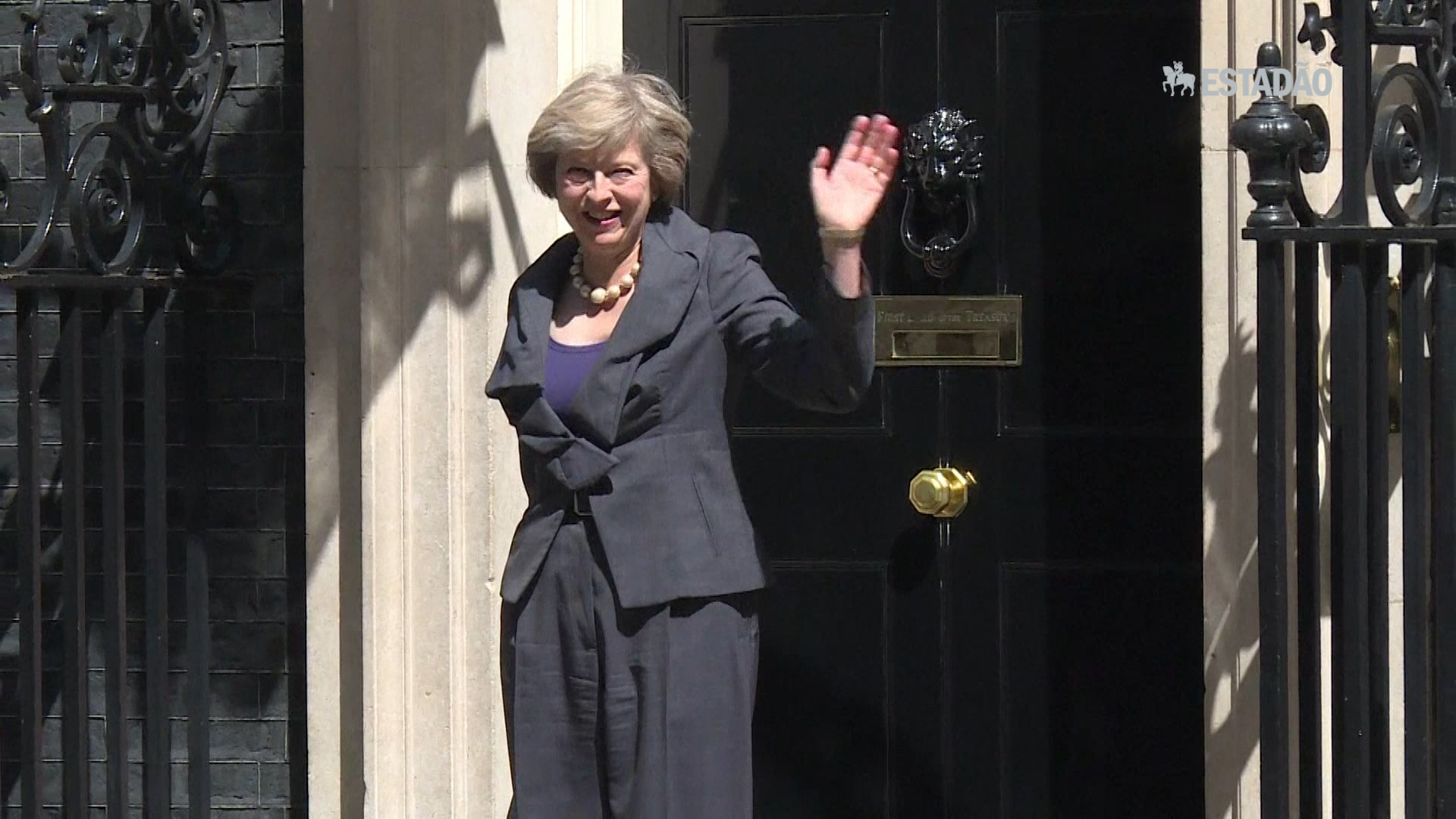 Britânicos reagem à indicação de Theresa May